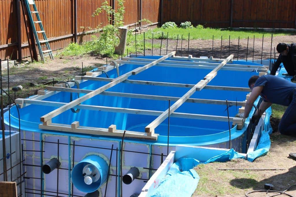 смотреть как устанавливают бассейн видео - 11